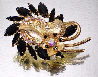 Juliana (D & E) DeLizza and Elster Black Leaf Brooch / Ann Pitman Book Piece