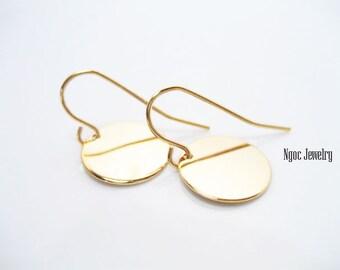 Simple Gold Disc Earrings, Gold Coin Earrings, Petite Gold Disk Earrings, Dainty Gold Drop Earrings, Everyday Earrings, Minimalist Earrings