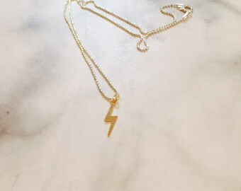 Short lightning bolt necklace