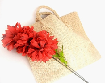 Rag rug tote bag in beige vintage from 1950s // cloth satchel // carpet bag // boho