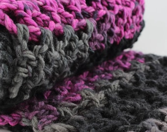 Oversized Infinity Scarf, Winter Look, Black Grey, Pink, Ash, Chunky Scarf, Warm Winter Fashion, Crochet Gift for Her, Gift for Mom, Snood
