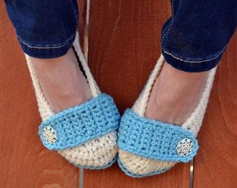 Snow flurry slippers, crochet slippers, womens slippers, crochet booties, crochet socks, winter slippers, warm slippers, button slippers