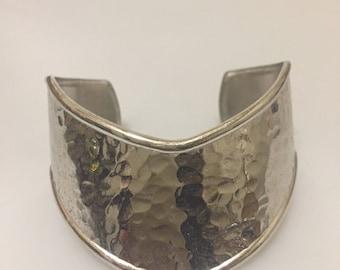 Vintage CUFF Bracelet HAMMERED Silver Cuff CHEVRON Design Hammered Silvertone Metal Gift for Her
