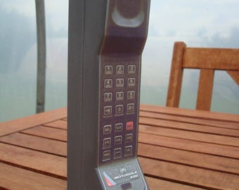 Toy Narcos Style Brick Cell Mobile  Phone Prop - Motorola DynaTAC 8500x. 1980s 1990s
