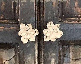 Marvelous Flower Knobs   Cast Iron   Dresser Drawer Knobs   Cabinet Knobs   Shabby  Chic Drawer