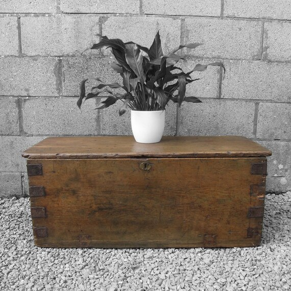 Pine Chest Trunk Box Antique Rustic Coffee Table Victorian Primitive Storage