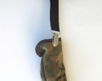 Black MITTEN CLIPS for Children - Toddler Mitten Clips - Mitt Clips for Kids - Glove Clips for Kids- Sleeve Clips- Stocking Stuffer For Kids