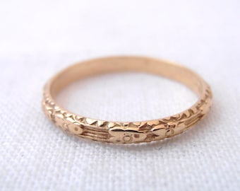 """Art Nouveau Flower 18k Yellow Gold Engraved """"Sophia"""" Wedding Band- by Chasing Jewelry"""