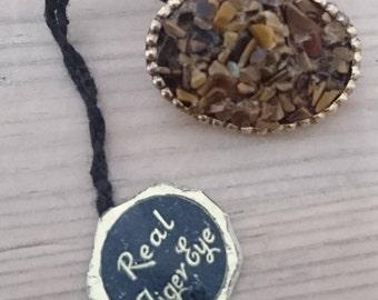 Vintage tigers eye gemstone chip brooch