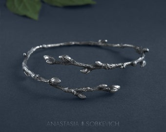 Silver branch bracelet, botanical jewelry, woodland bangle, sterling silver twig, forest elven jewelry, tree branch jewelry, floral cuff