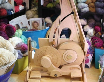 Spinning Wheel - SpinOlution Queen Bee - Travel Wheel - Free Shipping