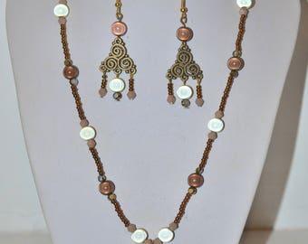 brown bronze and shiny beige parure