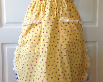 Vintage Style Apron, Womens Apron, Kitchen Apron, Retro Apron, Pin Up,  Retro Style, Apron, Yellow Apron, Floral Apron, Half Style Apron