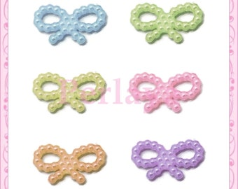 Mix of 50 20mm REF745 bow appliques