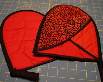 Red & Black Oven Mitts - Set of Two