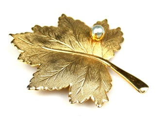Sarah Coventry Leaf Brooch Whispering Leaf Collection