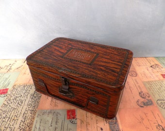 Vintage Tin Collectible Faux Wood Lunch Tin