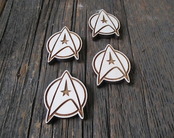 Star Trek pins or magnets