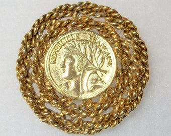 Republic Francaise Coin Brooch Rope Frame