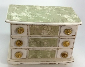 Upcycled Vintage Jewelry Box