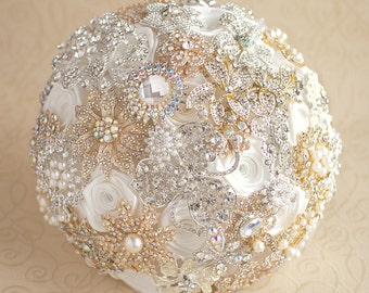 Brooch bouquet, white bridal bouquet, Silver and Gold broach bouquet, wedding brooch bouquet, cheap brooch bouquet, alternative bouquet.
