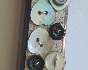 Buttons to Remember Mezuzah
