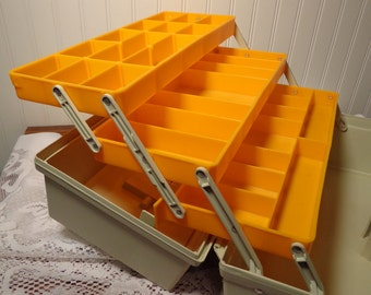 Vintage Rebel 600 Fishing Tackle Box - Huge Rebel Tackle Box  -  17-081