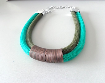 Green chunky statement necklace