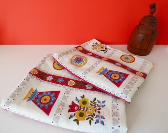 Hemmed Fabric 2 pieces curtains cotton Vintage 1970's