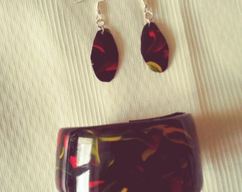 Bracelet & Earrings - Black red and yellow - Made in upcycled plastic
