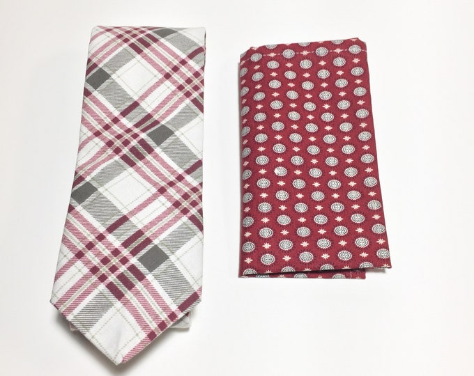 """They've Gone To the North Star"" Tie and Square Pack"