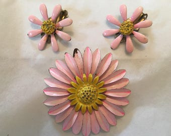 Sweet Pink Flower Pin and Earring set