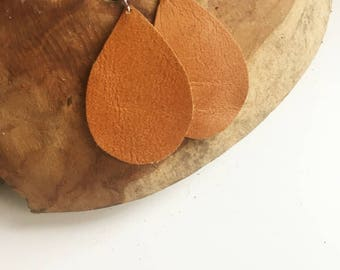 Leather earring / drop leather earrings / tan leather dangle earrings / leather drop earring/ gift for her /teardrop tan earrings