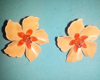 Beautiful Vintage Flower Clip Earrings in Orange Colors