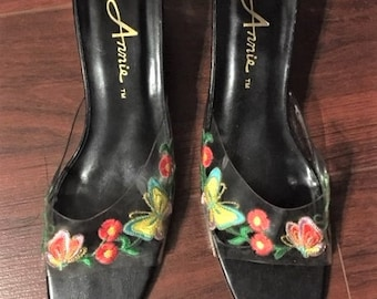 Vintage Annies Shoes. 1990's. Slides with Embroidered Butterflies and Flowers & Annies Lucite Heels. Size 7 1/2 M.