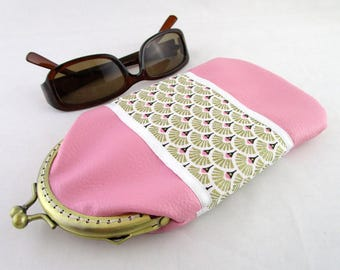 Glasses case in pink faux leather and fabric golden fan