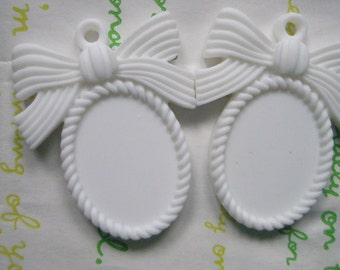 SALE MATTE Bow cameo setting frame 2pcs White Fits 25mm x 18mm cameo