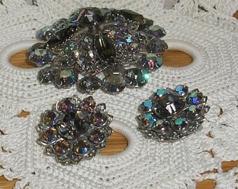 Estate;Glitzy Aurora Borilis  Rhinestone Silvertone Brooch Earring Matching Set