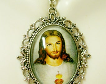 Sacred Heart of Christ necklace - AP09-040