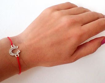 Red string bracelet , Protection bracelet , Good luck bracelet , Horse shoe bracelet, Gift for her