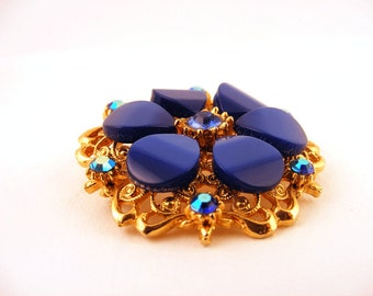 Vintage Thermoset Lucite Rhinestone Flower Brooch Gold Pin