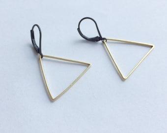 ANN* Brass Triangle clip earrings