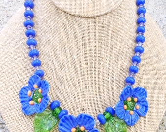 Periwinkle poppy necklace by Mystic Moon Beads SRA U5