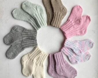 newborn socks/hand knit baby socks/knitted socks /baby newborn socks / woolen socks