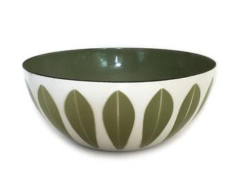 Vintage Cathrineholm Bowl Lotus Green and White Grete Prytz Kittelsen Eight Inch