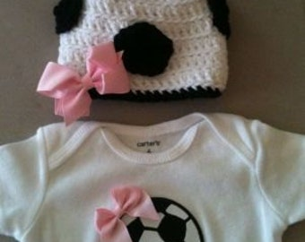 Soccer outfit for baby girls - Soccer bodysuit w/ bow and matching crochet soccer beanie hat