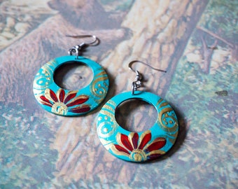 Green & gold designed earrings, Painted coconut shell earrings, Handcraft coconut shell earrings, eco-friendly jewelry