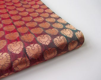 Red gold hint of green peacock silk brocade India - for 1/4 yard | fat quarter - fabric nr 653