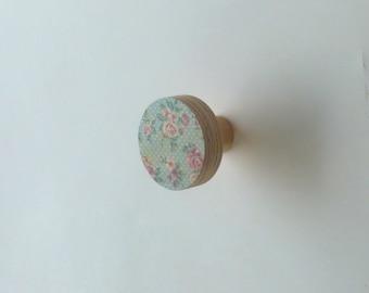 Objectify Vintage Rose Wooden Wall Hook