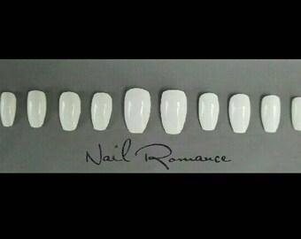 White Short Coffin Nails / Short Nails / Fake Nails / Press On Nails / Glue On Nails